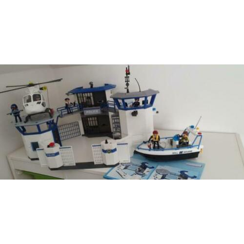 Playmobile politiebureau met helikopter en boot